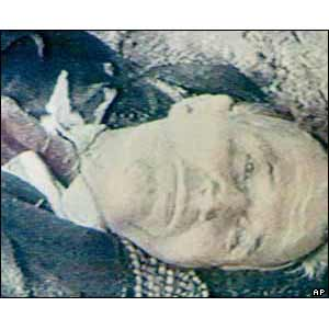 http://tambahinfo.files.wordpress.com/2012/01/romanianleaderdead.jpg?w=300